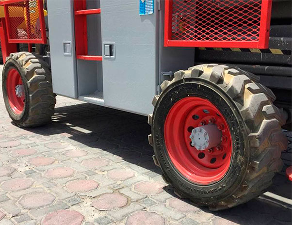 Lokan - Plataforma Elevatória – Tesoura a Combustão (Diesel)